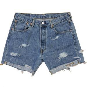 Levi's 501 ripped denim shorts size 33*32 Large